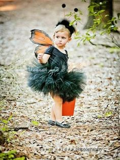 Faschingskostüme Kinder schmetterling schwarz tutu You are in the right place about kids costumes su Butterfly Halloween Costume, Cute Halloween Costumes, Baby Halloween, Halloween Clothes, Toddler Butterfly Costume, Halloween Treats, Kid Costume, Baby Costumes, Carnival Costumes