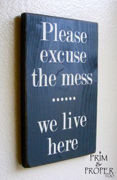 Leuk!!! Een krijtbord maken...misschien van een canvas....en dan deze tekst.....leuk voor op de deur naar de kamer...;)
