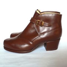 1940s/1950s winter ankle boots. Via Etsy.
