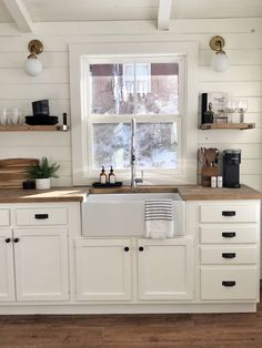 Cabin Kitchen Reveal With Our Sinkology Sink - Sinkology Kitchen Dinning, Kitchen Redo, Home Decor Kitchen, Rustic Kitchen, Country Kitchen, Kitchen Interior, New Kitchen, Home Kitchens, Kitchen Remodel