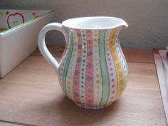 pretty jug Pottery Painting, Ceramic Painting, Ceramic Art, Dot Painting, Diy Cup, Pottery Designs, Pottery Ideas, Clay Plates, Paint Your Own Pottery