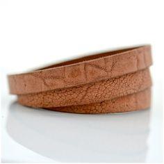 Plain Jungle - nahkarannekoru - Astubutiikkiin.fi Gift Ideas, Bracelets, Leather, Gifts, Men, Jewelry, Presents, Jewlery, Jewerly