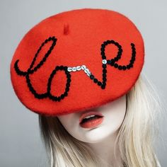 beret love hat shared by ちょこにゃ on We Heart It Look Fashion, Diy Fashion, Fashion Photo, Purple Lips, Love Hat, Oui Oui, Street Style, Red Hats, All You Need Is Love