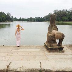 Asarine en vacances❤️❤️✈️✈️#drolatic #dosnu #templedangkor #travels #ss15 #summer #holidays #longdress #drolaticdress #mode #fashion #instasummer #asarine #cambodge #marseille