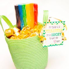 St Patty's Day - Done! It even has a free printable tag!