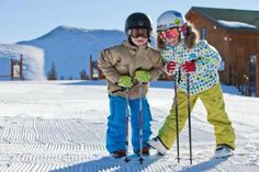 Where and when kids ski free: an easy way to save on a ski trip!