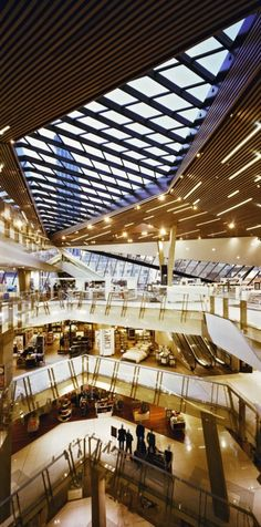 Image 6 of 28 from gallery of Myer Department Store / Peddle Thorp Architects. Photograph by Courtey of Peddle Thorp Architects Mall Design, 2017 Design, Centre Commercial, Commercial Toilet, Commercial Complex, Shoping Mall, Shopping Mall Interior, Store Plan, Decks