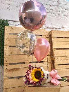Fotos En Cumpleaños Diy Party Gifts, Diy Gifts, 21st Birthday Gifts, Diy Birthday, Balloon Decorations, Birthday Decorations, Balloon Bouquet, Flower Boxes, Flowers