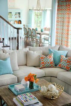 El naranja es minoría en esta sala, pero junto al azul claro luce y resalta.