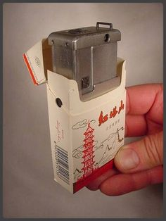 MINIATURE MINOLTA 16 SPY CAMERA & CHINESE CIGARETTE PACK Vintage Unusual Antique
