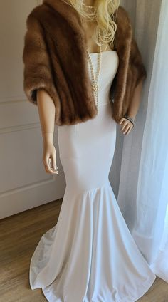 Luxury Vintage EMBA Autumn Haze Real Mink Fur Stole, Bridal Fur Shawl, Mink Cape, Fur Bolero Winter Wedding Fur, Winter Wedding Bridesmaids, Winter Bride, Vintage Fur, Vintage Bridal, Vintage Glamour, Brown Fur Coat, Mink Stole, Bridal Bolero
