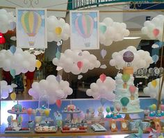 Ideas, decoración y manualidades para fiestas: Ideas para tu mesa de dulces con globos aerostáticos Baby Birthday, First Birthday Parties, First Birthdays, Balloon Decorations, Birthday Decorations, Shower Party, Baby Shower Parties, Fiesta Baby Shower, Gender Party