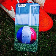 Designa ditt eget mobilskal till fotbolls EM. Välj bland dina personliga motiv och gör ditt skal som du vill ha det. #mobilskal #iphoneskal #galaxyskal #sonyskal #design #eget #skal #fotbollsvm #skalme # instagram www.skalme.se