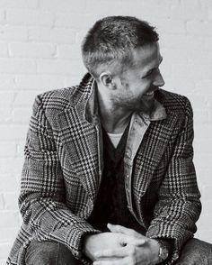 Ryan Gosling Haircut, Beautiful Boys, Beautiful People, Hot Men, Hot Guys, Ryan Thomas, American Dreams, Cartoon Tv Shows, Male Poses