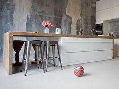 44 Inspiring Design Ideas for Modern Kitchen Cabinets - The Trending House Home Decor Kitchen, Kitchen Interior, Home Kitchens, Kitchen Dining, Modern Kitchen Cabinets, Kitchen Cabinet Colors, Handleless Kitchen, Kitchen Colour Schemes, Scandinavian Kitchen