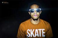 Noticias Alê Abrantes faz fotos com a camiseta Clube do Skate em gravação do seu Video Clipe - Alê Abrantes é um Mc nascido e criado em São Paulo. Confira o ensaio feito por Willian Machado no final do primeiro dia de gravação do video clipe do Alê.
