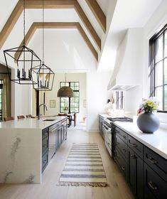 Home Decor Kitchen, Interior Design Kitchen, Home Kitchens, Dark Kitchens, Kitchen Ideas, Dream Kitchens, Interior Modern, Dark Kitchen Cabinets, Kitchen Reno