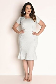 Do you struggle to find decent plus-size clothing? Fashion to figure is a retailer that makes clothing and accessories for women that are sized from The clothing. Vestidos Plus Size, Plus Size Dresses, Plus Size Outfits, Dresses For Work, Curvy Women Fashion, Plus Size Fashion, Womens Fashion, Plus Size Girls, Plus Size Women