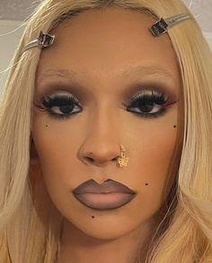 90s Makeup, Edgy Makeup, Unique Makeup, Models Makeup, Makeup Goals, Girls Makeup, Simple Makeup, Makeup Inspo, Skin Makeup