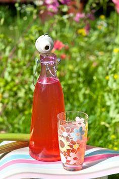 Non Alcoholic Drinks, Beverages, Hot Sauce Bottles, Lemonade, Coca Cola, Juice, Berries, Good Food, Food And Drink