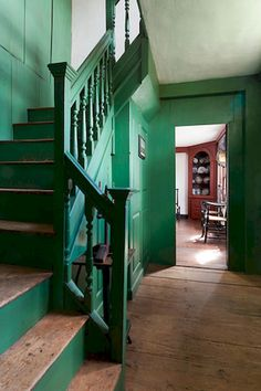 76 Modern Farmhouse Staircase Decor Ideas - Page 4 of 76 - Actaeon Decor Painted Staircases, Painted Stairs, Painted Panelling, Paneled Walls, Spiral Staircases, Espace Design, Saltbox Houses, Green Rooms, My Living Room