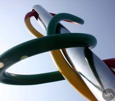 Claes Oldenburg, Ago e filo, Piazza Cadorna, Milano  www.waamtours.com