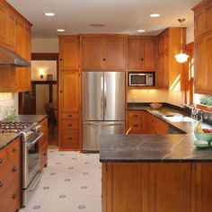 Merveilleux Narrow Kitchen Layout Design Ideas, Pictures, Remodel, And Decor   Page 7