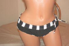 Bikini Swimsuit Split Bottom Boy Leg Pant Runched Side Balck   SZ L
