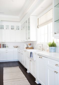 Farmhouse sink and printed roman shade || Studio McGee