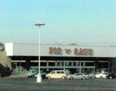 It's now Big Lots, but before that MacFrugals' and before that Pic 'N' Save  ♥♥      PickNSavePlazaArchive.jpg (300×235)