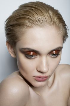 More trend inspired makeup with Beauty Ed Tabby. This one is all about the warm rich bronze and copper toned eyes seen at Versace, Gucci, Donna Karren , Dsquared 2, Jason Woo, Cavalli & Missoni.