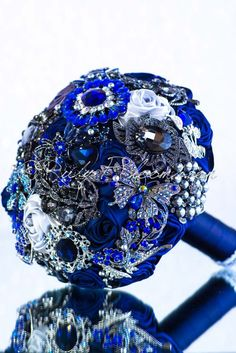 Ruby Blooms is pleased to offer you the Luxury Collection - Sapphire Blue Bridal broach bouquet Designed for Deep Blue Wedding Theme Bridal Flowers and Special Events! Brooch Bouquet Specifications: ◦