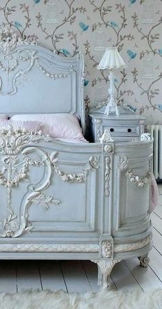 Antique elegant French bedroom  - furniture lighting & home decor at www.rubylane.com @Ruby Lane #french_decor_wallpaper
