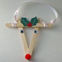 Popsicle stick reindeer ornament #Christmas #craft