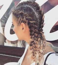 Glitter Parts & Braid Bars #BeautyCoachELLA @unite_hair @hottoolspro @beautycoach_com #UniteFamily #HotTools