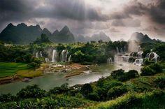 Detian waterfall in Taiping, 广西