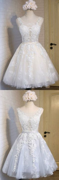 Ivory/Blue Dreamy Ball-gown Scoop Neck Short Tulle Homecoming Dress With Appliques Lace