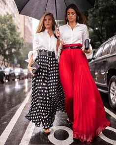 Fashion new york fashion week Fashion Mode, Look Fashion, Skirt Fashion, New Fashion, Trendy Fashion, Fashion Show, Fashion Outfits, Womens Fashion, Fashion Trends