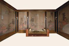 Jean Dunand (1877-1942), suite de huit lés de boiserie, peints à la laque sur toile de soie écrue, contrecollée sur panneaux, h. 238 cm -l. variables de 61 à 205 cm. http://www.alaintruong.com/archives/2008/06/03/9427501.html