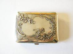 beautiful vintage cigarette case