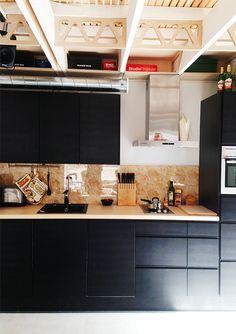 Puustelli Miinus keittiö | Talo puutarhassa Home Kitchens, Jazz, New Homes, Kitchen Cabinets, House, Home Decor, Decoration Home, Home, Room Decor