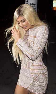 Kylie Jenner Sexy Mini Celebrity Dresses 2016 Full Sleeve Pattern Sequins New Short Prom Dresses Backless Sexy Party Gowns Woman Kyle Jenner, Kylie Jenner Vestidos, Looks Kylie Jenner, Estilo Kylie Jenner, Kendall And Kylie Jenner, Kylie Jenner Dress, Khloe Kardashian, Robert Kardashian, Kardashian Kollection