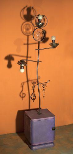 Lampada-scultura piantana