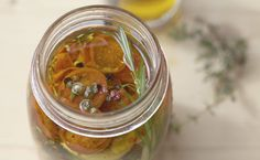Healthy fast food: preserving food in #OliveOil. Check out! #DIY
