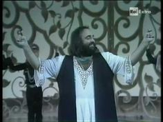 Demis Roussos & Raffaella Carrà dancing Sirtaki