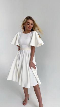 Civil Wedding Dresses, Wedding Dress Sleeves, Cocktail Dress Sleeves, Dresses With Sleeves, Necklines For Dresses, Stylish Dresses, Simple Dresses, Pretty Dresses, Beautiful Dresses
