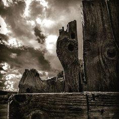 The texture in the woods combined with the dramatic sky....love it   #sky #clouds #texture #woodenfence #wood #dramatic #clouds #rainyday #sun #heartwarming #eye_for_earth #heart_imprint #eyecatching #fotocatchers #sombrescapes #fiftyshadesofgrey #inthemoment #seekingbeauty #senses #old #oldstyle #ig_namaste #ig_worldclub #igdaily #inthemoodfor_macro #from_your_perspective #naturalbeauty #nature #nature_shooters