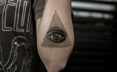tatuajes en el antebrazo moderno de ojo