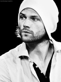 im still not sorry for the large amount of padalecki on your dash Castiel, Supernatural Actors, Winchester Boys, Winchester Brothers, Jensen And Misha, Jensen Ackles, Jared Padalecki, Just Jared, Raining Men