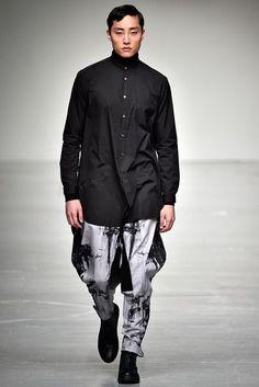 Songzio Fall 2017 Menswear Collection | British Vogue